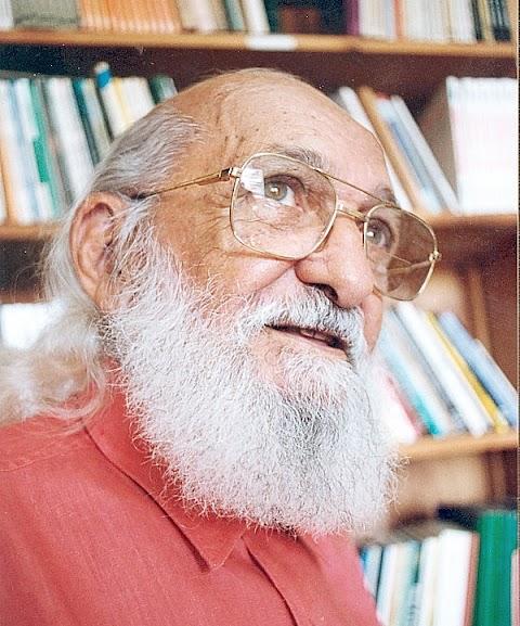 Carta de Paulo Freire aos Professores alerta para o aprendizado mútuo e fala de formação permanente