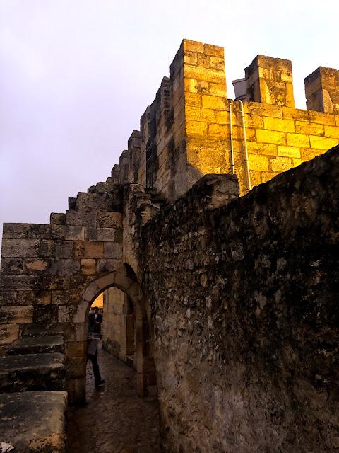 São Jorge Castle night