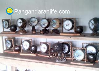jam yang terbuat dari batok kelapa
