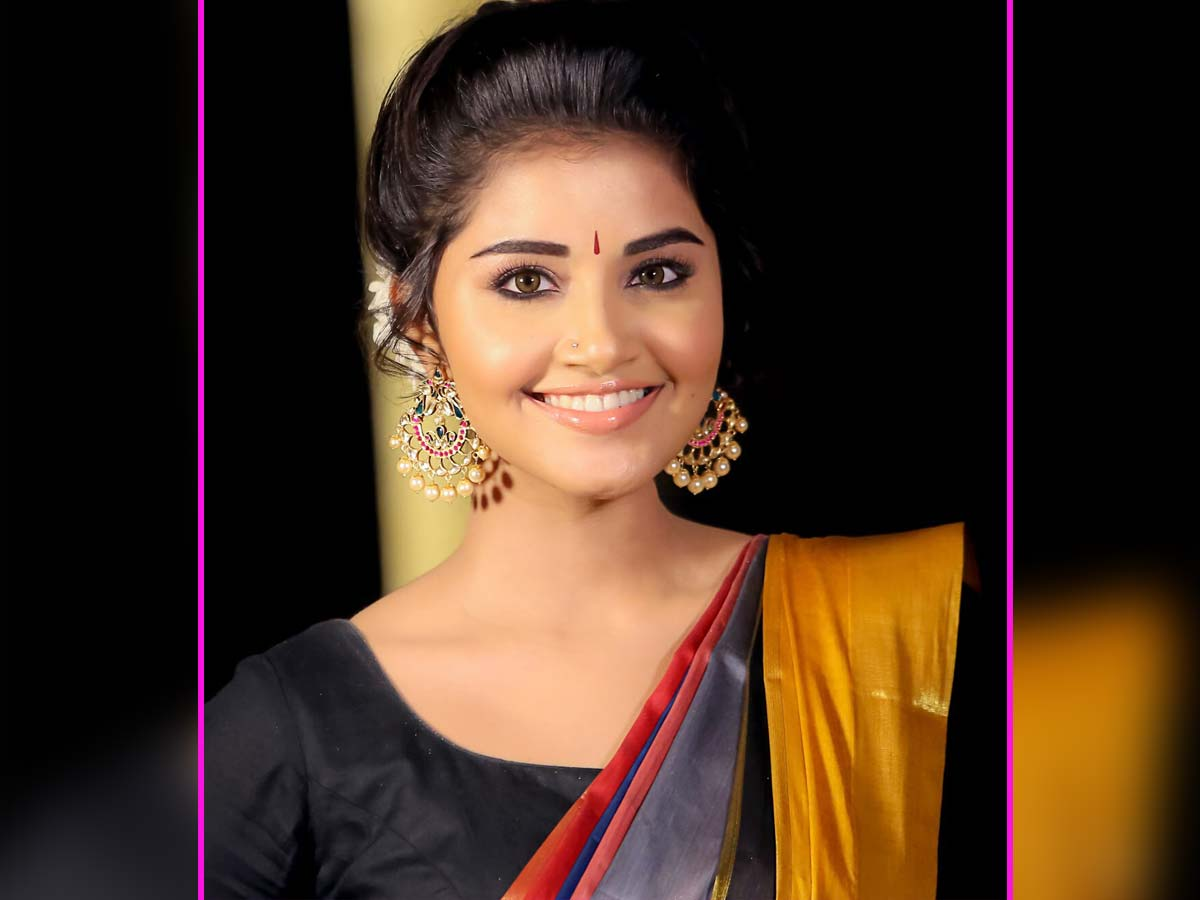 Anupama Parameswaran Photos