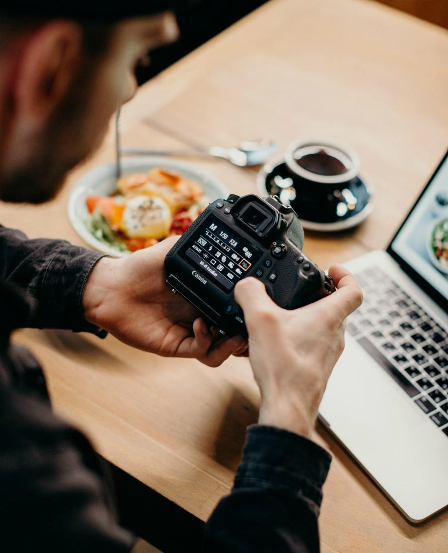 Politiki-marketing-camera