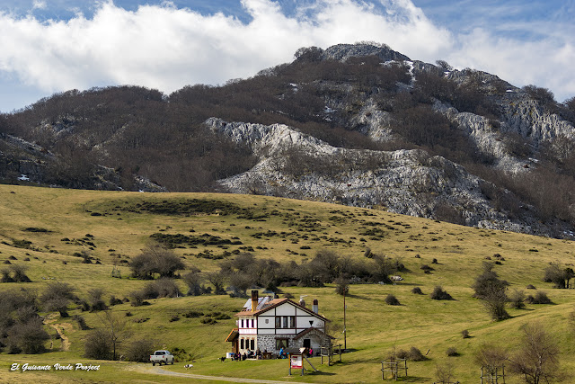 Refugio de Arraba, Parque Natural de Gorbea por El Guisante Verde Project