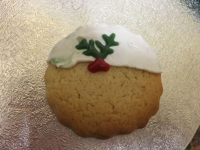 single cookie decorated