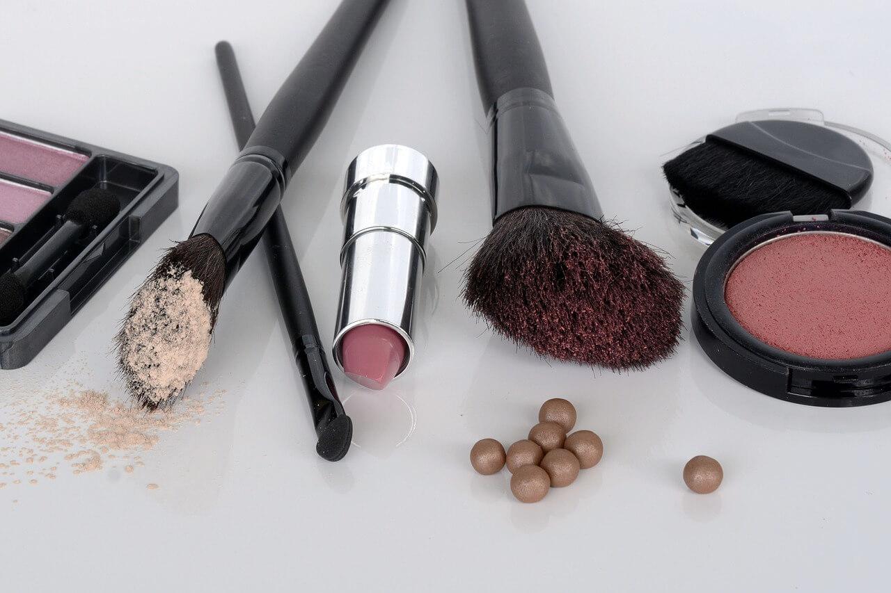 Contoh Application Letter Untuk Sales Promotion Girl Kosmetik (Fresh Graduate)