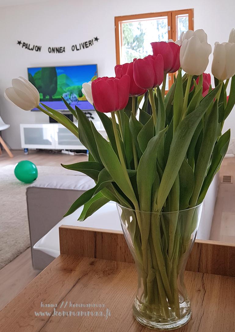 tulppaanit olohuone