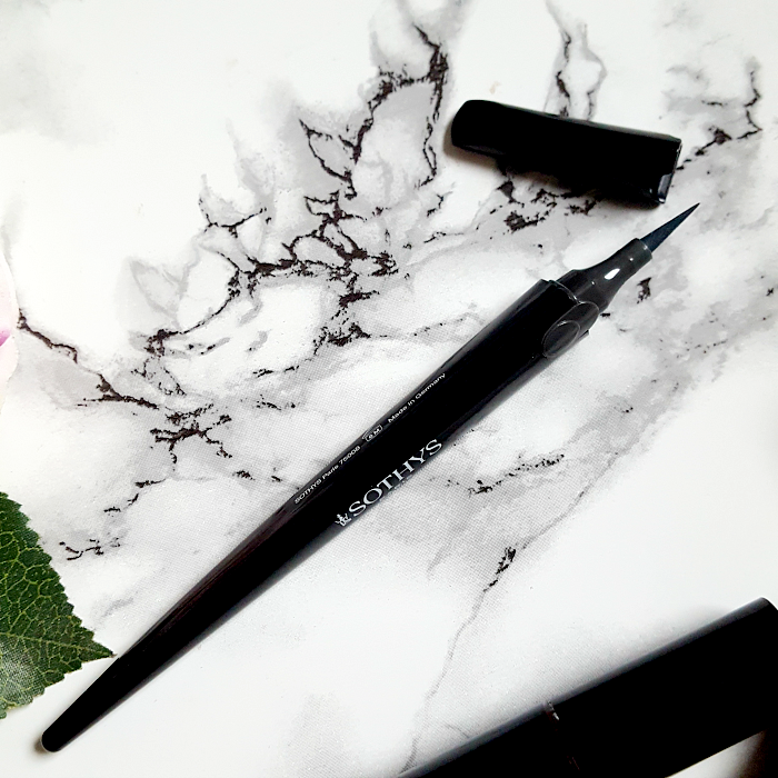 SOTHYS Calligraphy Eyeliner - 22.00 Euro - Désert Chic Makeup Kollektion 2017