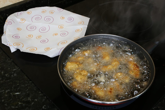 Preparación de lagrimitas de pollo