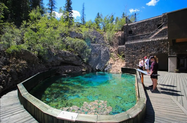 the Banff Centre and seethe famous Cave and Basin National Historic Site.