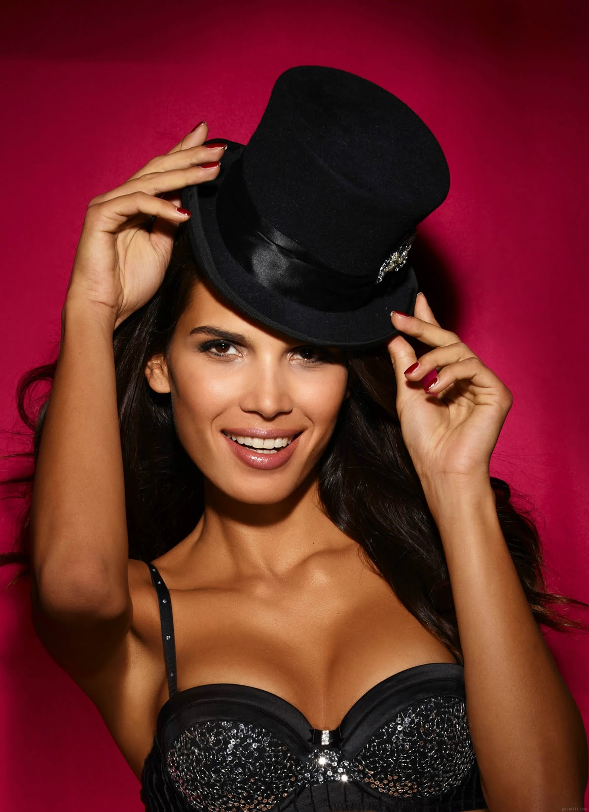 Brazil Model Raica Oliveira Girls Idols Wallpapers And
