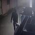 Video del momento en que ladrón roba una pasola en Callejón de Noly de Nagua.
