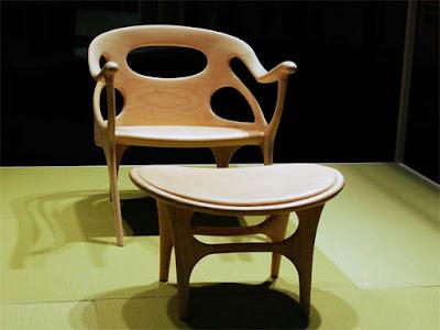 Diseño moderno de silla y mesa
