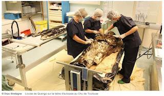 VIDEO - L'exceptionnelle découverte de la dépouille pratiquement intacte de Louise de Quengo, morte en 1656 à Rennes  dans Culture arch%25C3%25A9ologie%2Blouise%2Bde%2Bquengo