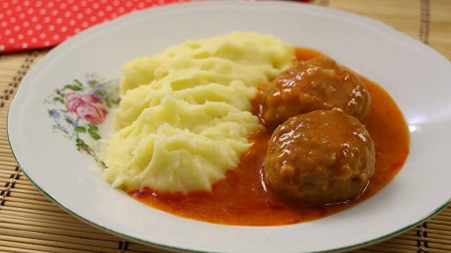 čufte-u-paradajz-sosu