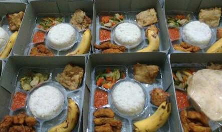 2. Usaha Makanan Paket Sahur