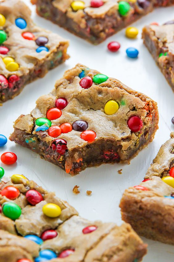 Chewy Brown Butter M&M Blondies #recipes #baking #bakingrecipes #food #foodporn #healthy #yummy #instafood #foodie #delicious #dinner #breakfast #dessert #lunch #vegan #cake #eatclean #homemade #diet #healthyfood #cleaneating #foodstagram