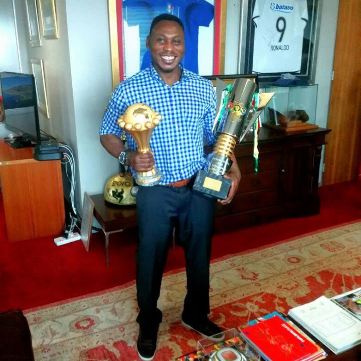 Daniel Amokachi flaunts his two generations of AFCON trophies