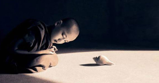 Ξεφορτώσου ό,τι άχρηστο υπάρχει στη ζωή σου.