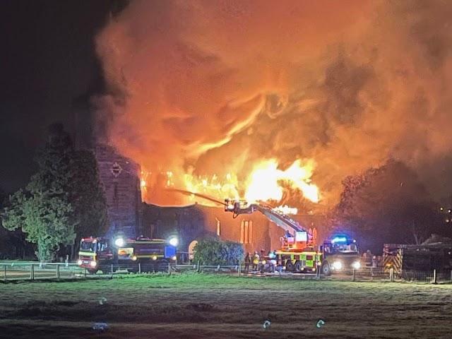 Egy 700 éves templomot gyújtottak fel Angliában