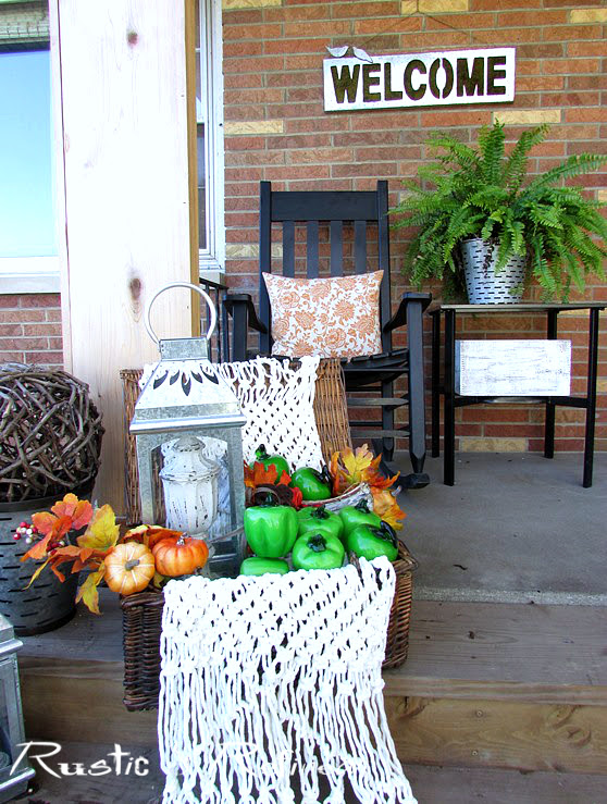 How to decorate a cozy porch