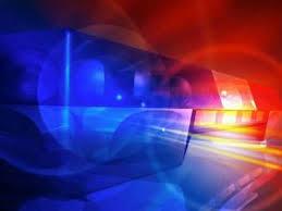 Jovem é atacado com golpes de facão por três homens desconhecidos