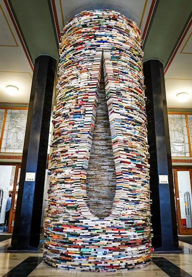 """IDIOM"" BOOK SCULPTURE, PRAGUE CITY LIBRARY"