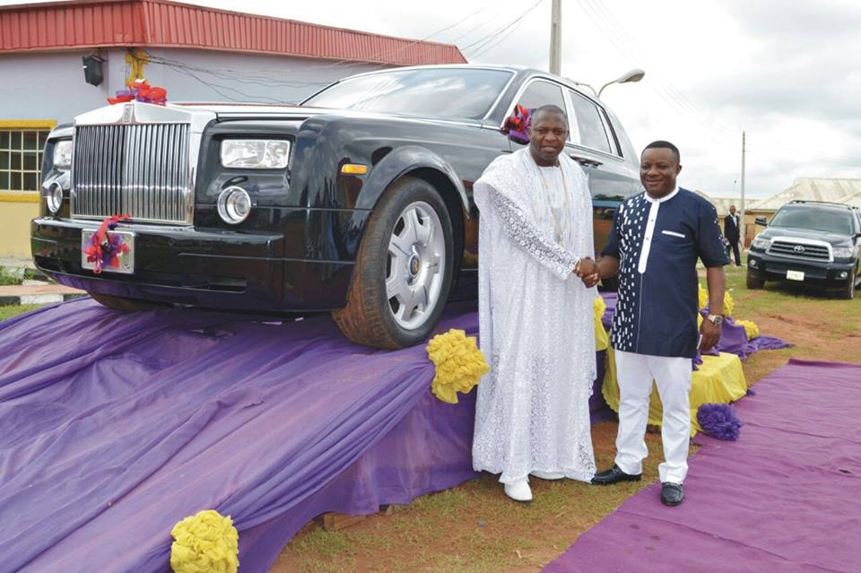 PASTOR TOM SAMSON RECEIVES ROLLS ROYCE AS BIRTHDAY GIFT FROM CHURCH MEMBERS SEE PICTURES