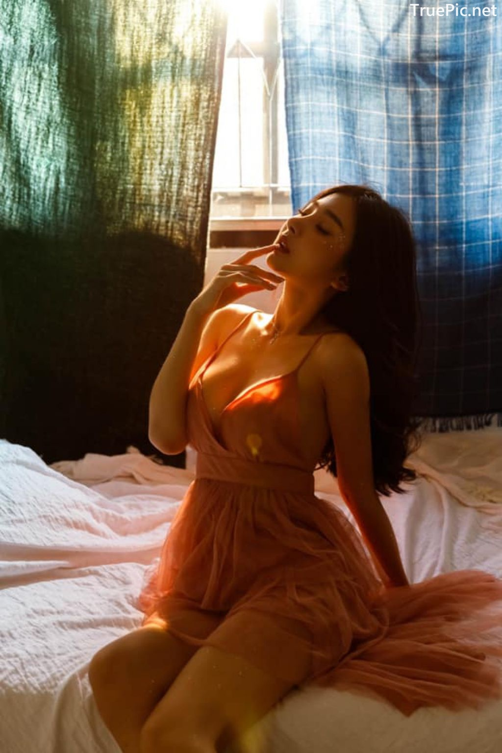 Image-Thailand-Sexy-Model-Pattamaporn-Keawkum-Morning-Sunlight-TruePic.net- Picture-7