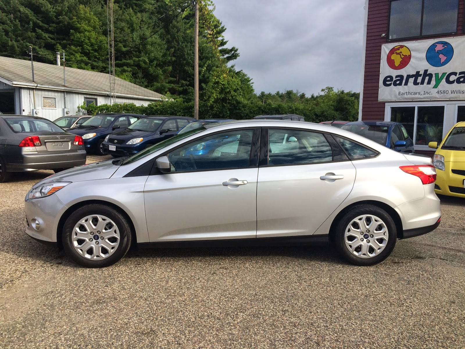 Exceptional EARTHY CAR OF THE WEEK: Silver 2012 Ford Focus SE Sedan