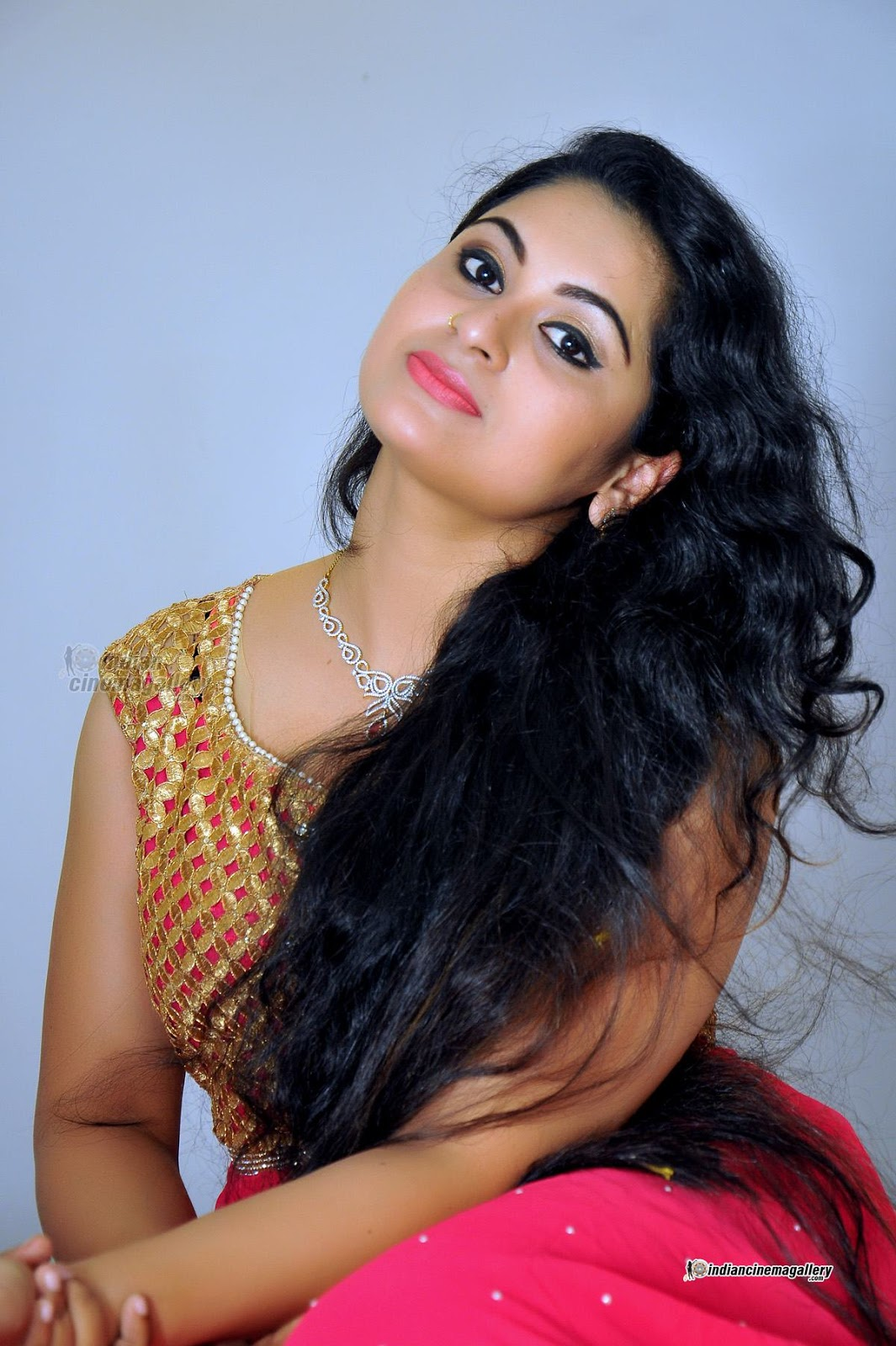 Malayalam Actress Navel Kiss  Holidays Oo