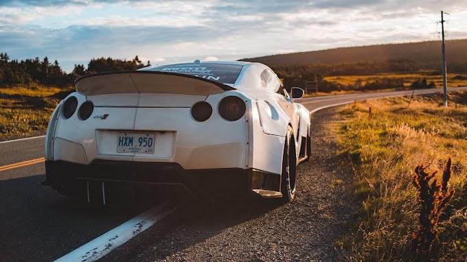 Carro Esportivo Nissan GTR
