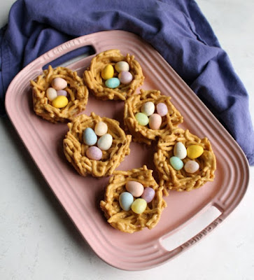 These cute edible nest treats are easy to make, no oven required! The no bake treats are always a hit and they are a great way to celebrate spring or Easter.  Add your favorite egg shaped candies to make them extra special.
