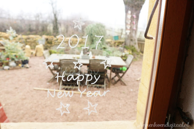 Raamtekening printen, vuurpijl raamtekening, raamtekening zelf maken, happy new year raamtekening