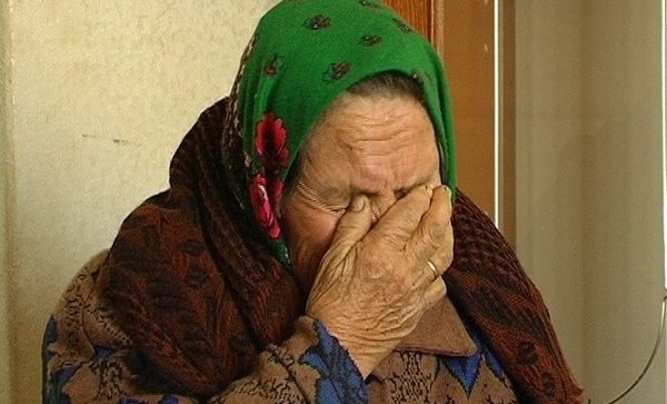 Внук жестоко избил 88-летнюю бабушку. Она умерла!