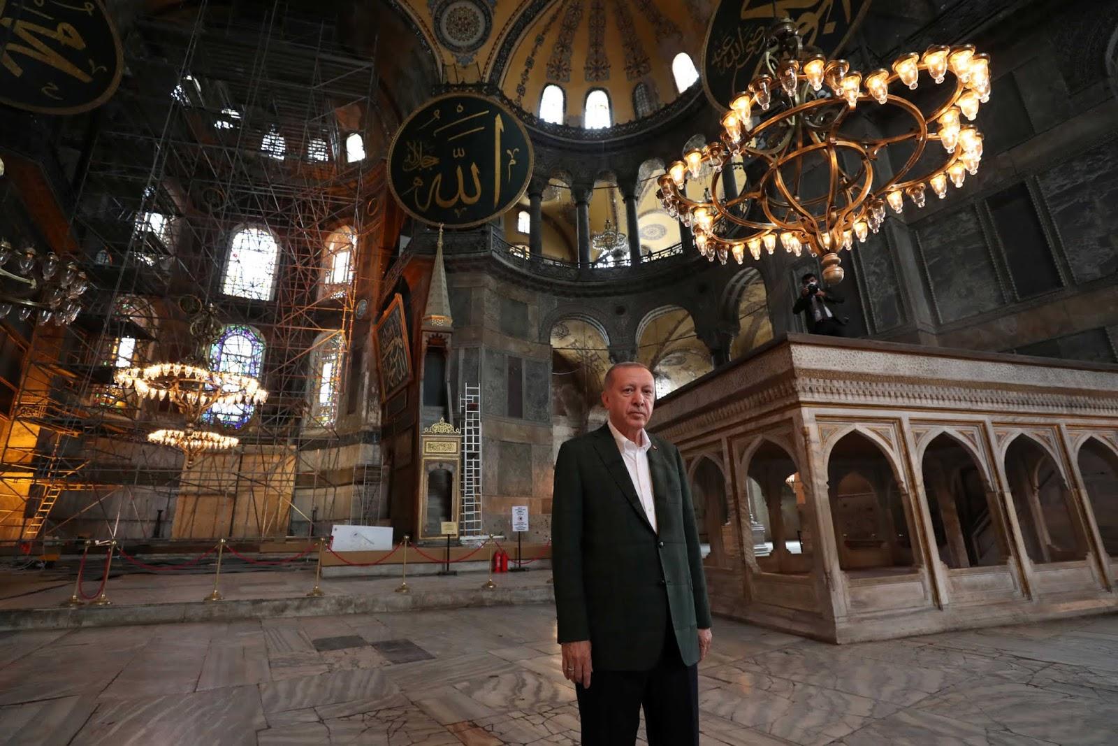 Ερντογάν: Κάποιοι ξεχνούν ότι η Κωνσταντινούπολη είναι τουρκικό έδαφος