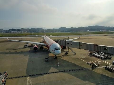 【航空体验】日本北九州亲子游@Day1 亚航长途AirAsia X A330-300 吉隆坡KUL往返日本福冈FUK| 福冈国际机场交通+机场资讯