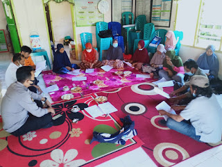 Tudang Sipulung Bersama Kepala Desa Dan Aparaturnya, Bhabinkamtibmas Polsek Curio Bahas Pembentukan Posko PPKM