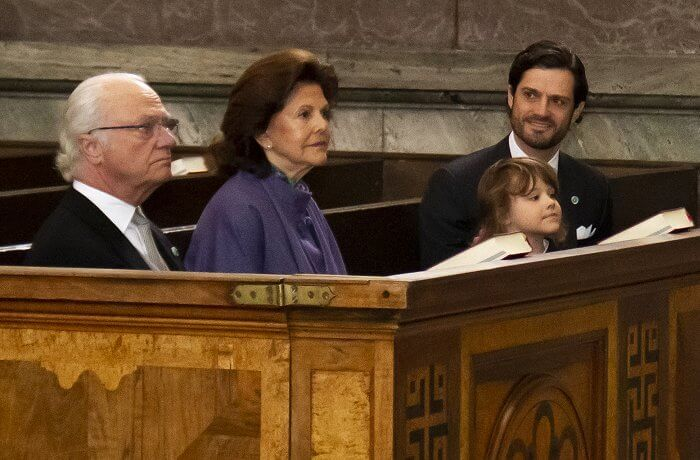 Queen Silvia wore a purple dress and cape from Georg Et Arend. Prince Alexander, Erik Hellqvist, Marie Hellqvist and Lina Hellqvist