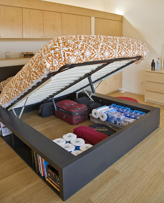 Good muse i don 39 t have anywhere to store it - Platform bed with storage underneath ...