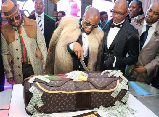 Check out South Africa millionaire's birthday cake...(photos)