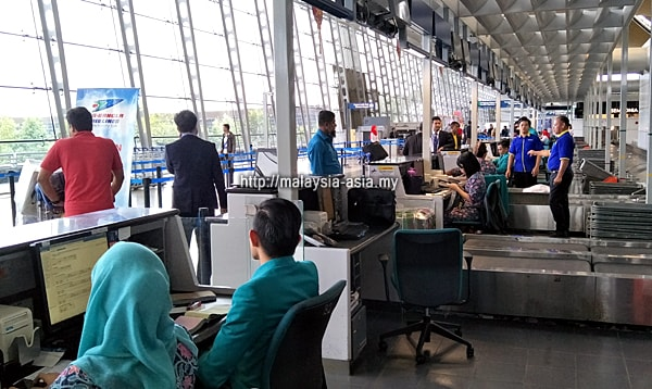 Check in counter Malaysia Airlines