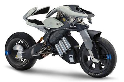 Yamaha Motoroid Concept (2017) Front Side