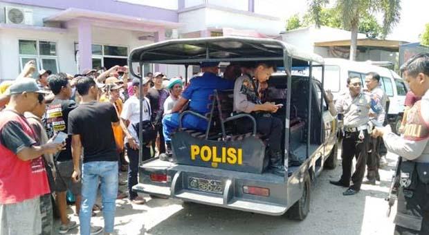 Ngamuk Tanpa Sebab, Pria Stres Tusuk Anggota TNI Hingga Tewas