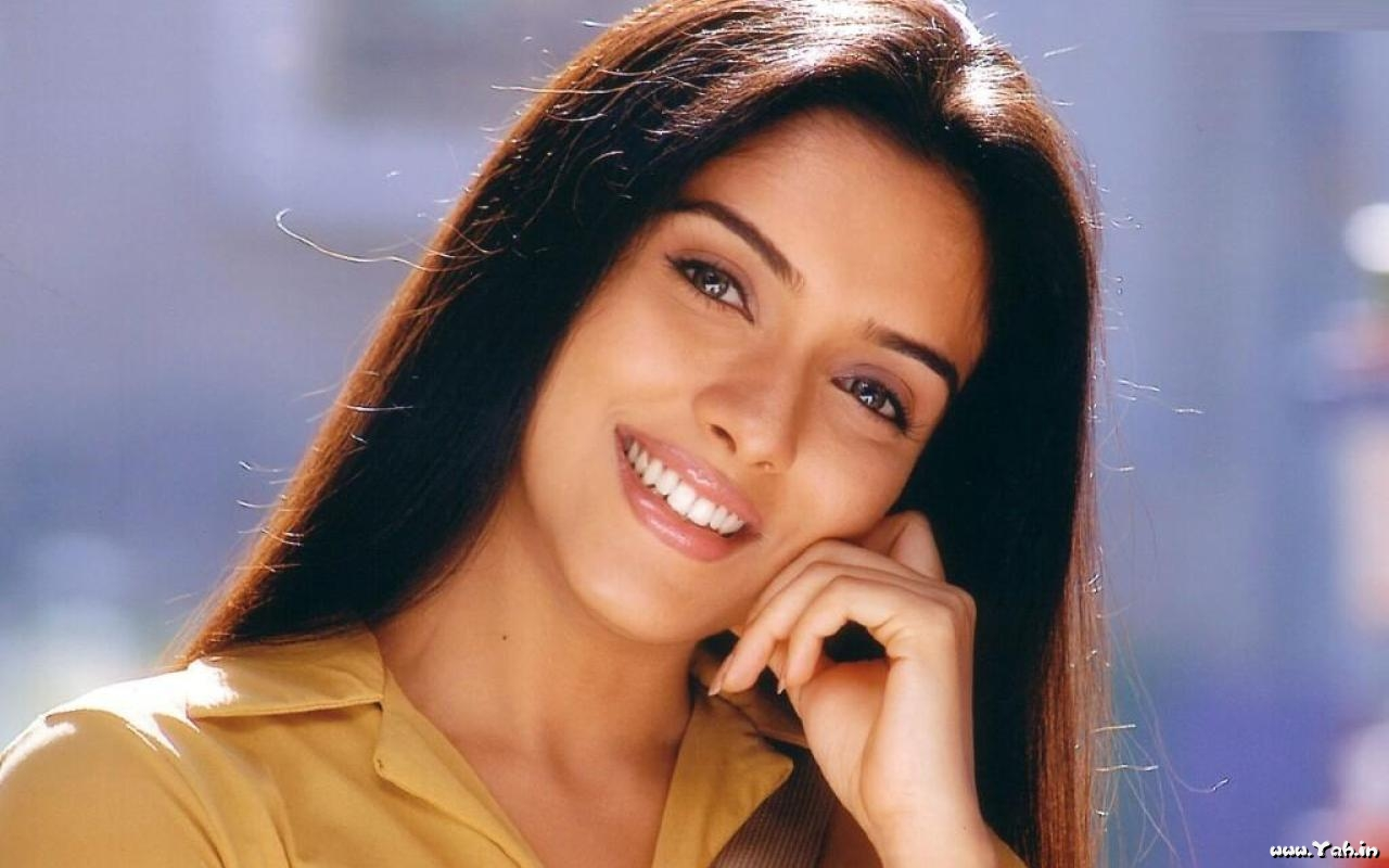 beautiful eyes asin bollywood - photo #16