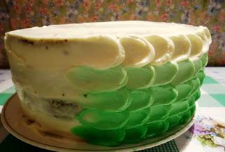 http://prazdnichnymir.ru/http://eda.parafraz.space/, Кремовые лепестки — простое украшение для торта, простое украшение для торта