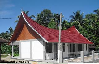 Poliklinik bergaya arsitektur Minang