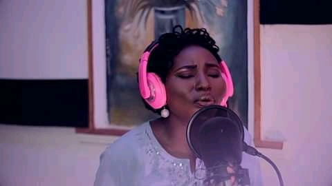 GIST: D-QUEEN -HAVE RECENTLY SIGNED A RECORD DEAL with EMPIRE RECORD||jos24xclusive