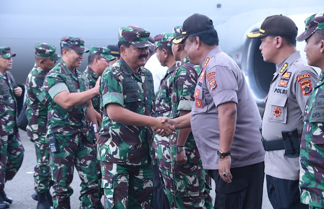 Pantau Situasi Pasca Penembakan, Panglima TNI Kunjungi Timika Papua