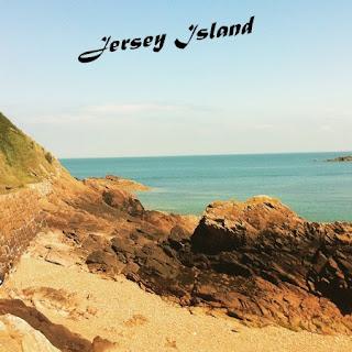 http://readsunsetavenue.blogspot.fr/2015/07/jersey-island.html