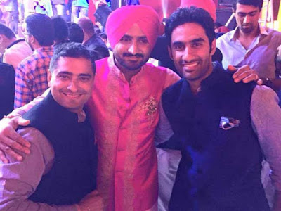 Harbhajan-Singh-with-fellow-cricketers-in-sangeet