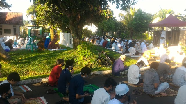 Sholat Idul Fitri di tengah Pandemi Corona